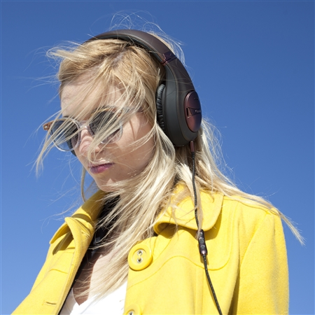 Mode M40 Noise Canceling